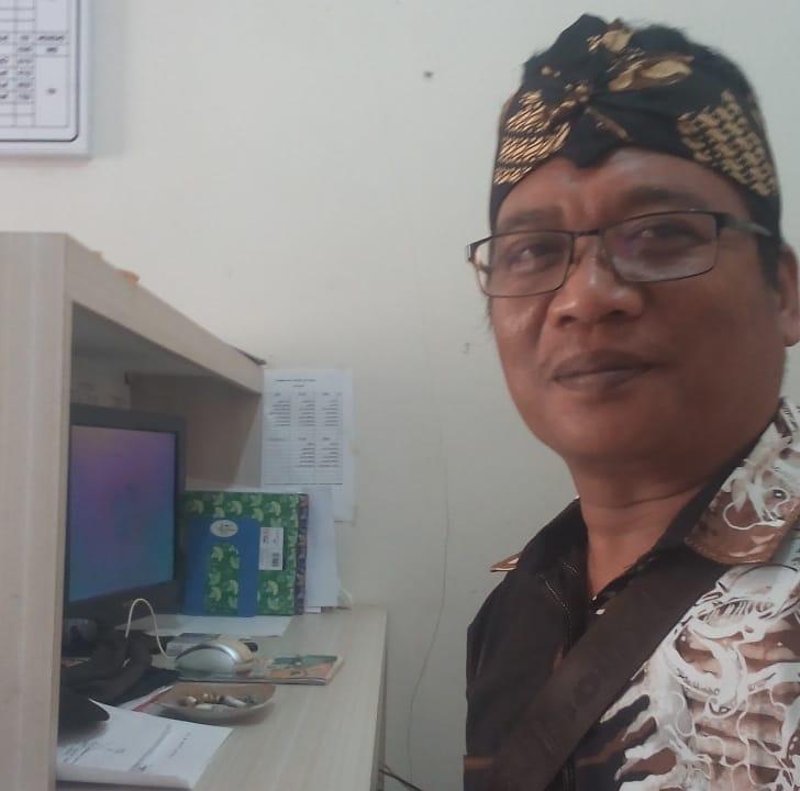 Edy Sukarno, S.Pd